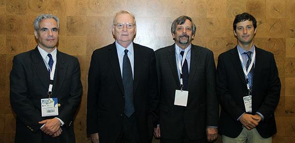 En la foto: profesores Diego López, Rafael Riddell, Finley Charney y Matías Hube.