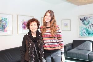 Ruby Yunis y su nieta la alumna de Ingeniería Isidora Hirmas.