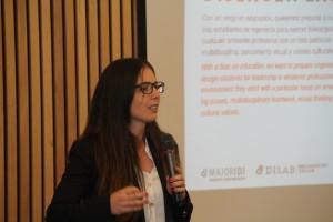 La profesora Constanza Miranza, directora del DiLab.